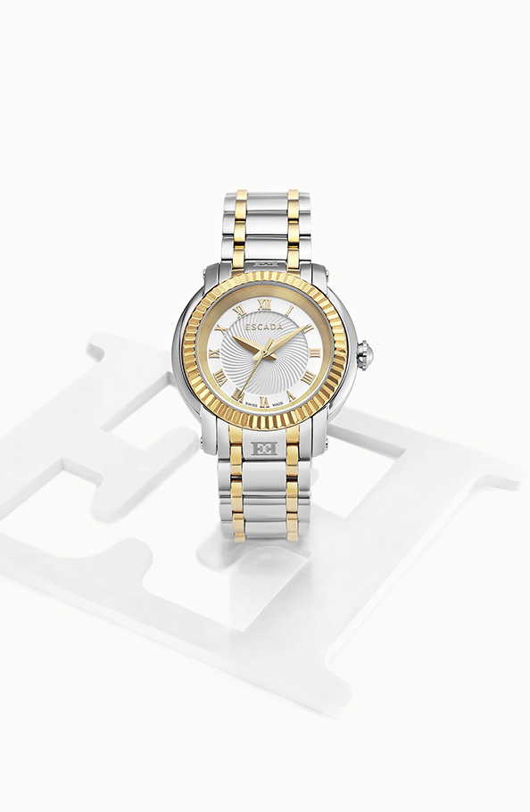 Gift Ideas for females: Watches, Perfume and Flowers