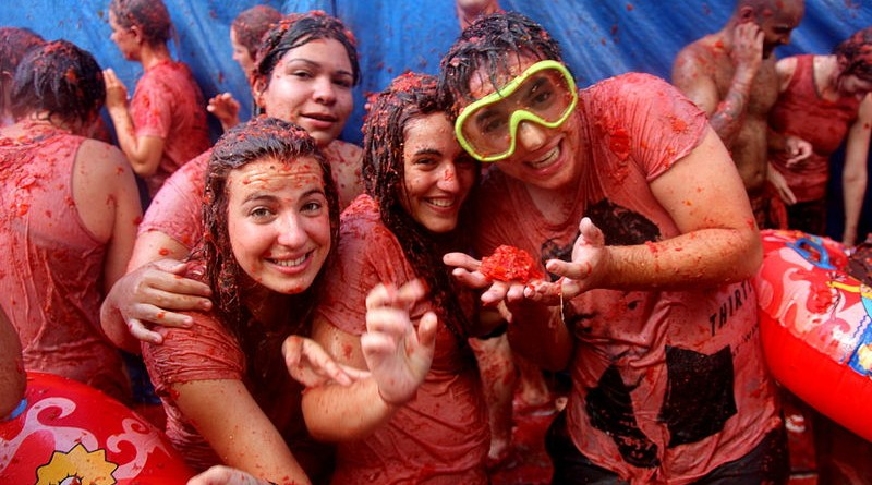 Why Everybody Should Visit The La Tomatina Event
